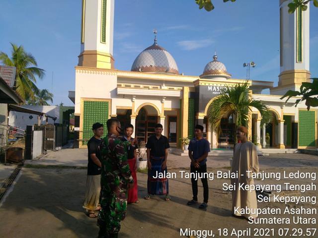 Untuk Menjalin Silaturahmi Dengan Remaja Mesjid, Personel Jajaran Kodim 0208/Asahan Laksanakan Komsos