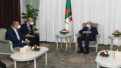 وزير خارجية تركيا يلتقي الرئيس الجزائري لتقديم واجب العزاء والاخير يفاتحه بشان الصحراء المغربية