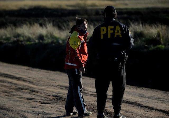 Encuentran una mochila e investigan si es la que llevaba Facundo cuando desapareció