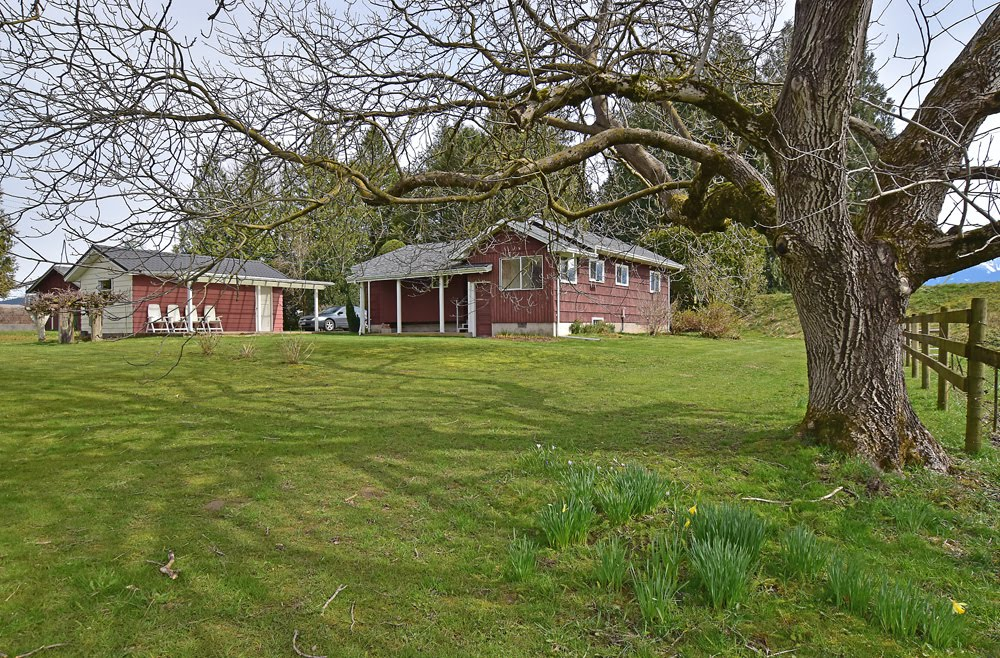 Country Living on 5 acres - $850,000