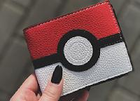 Logo Rispondi e vinci gratis il portafoglio dei Pokémon