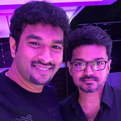 vijay-wishes-lyricist-vivek-on-his-birthday-photos-pictures-stills