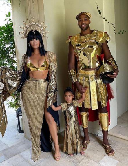 Khloe Kardashian e filha no Halloween