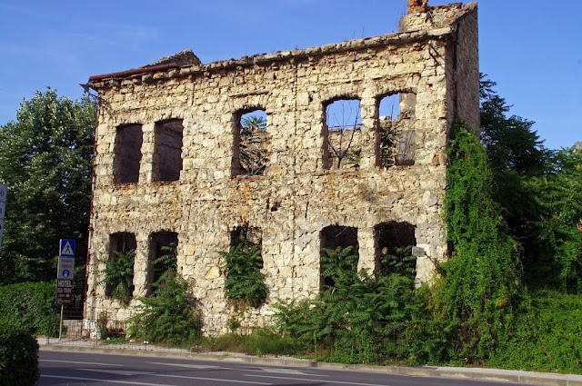 Bombed out house Mostar