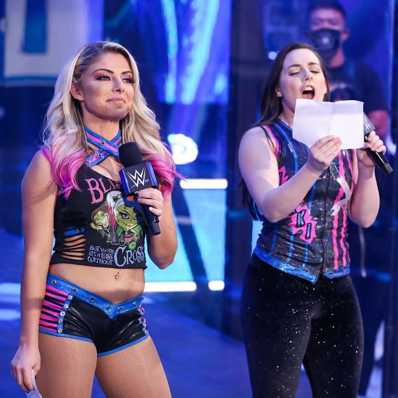 Alexa Bliss Clicks  at WWE Smackdown in Orlando 3 Jul -2020