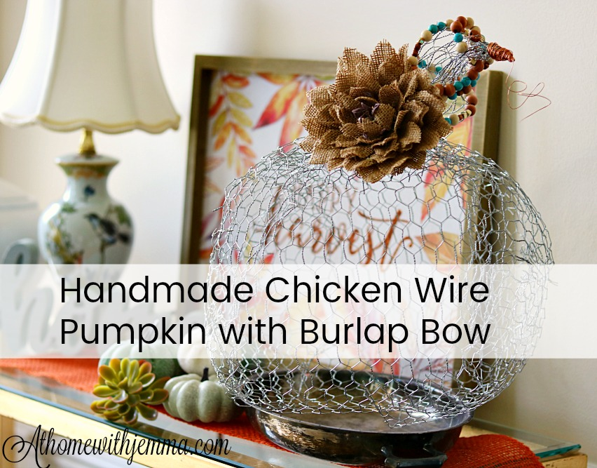 Craft-chicken-wire-burlap-bow-October-Fall-Halloween