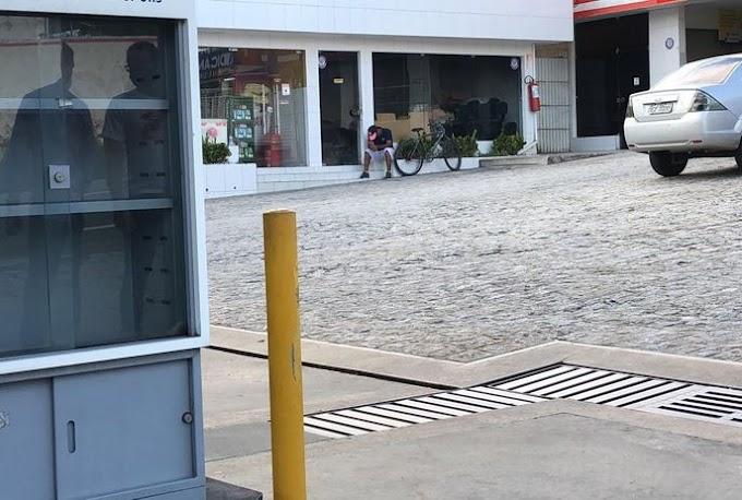 Vigilantes de posto são amarrados e bandidos levam quase R$ 200 mil