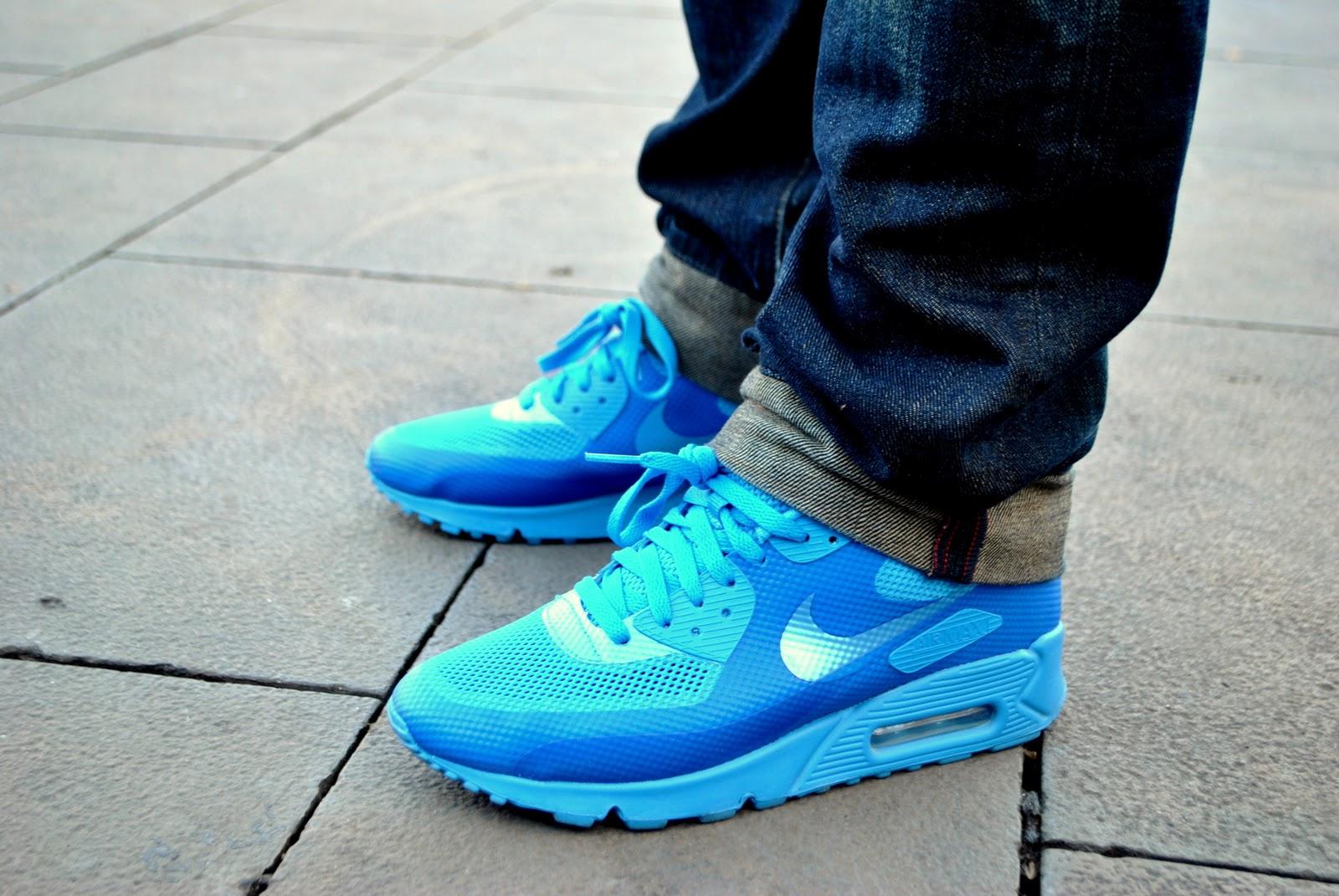 Kicks Off! The Sneaker Blog: Nike Air Max 90 Hyperfuse