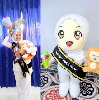 Boneka Maskot Graduation