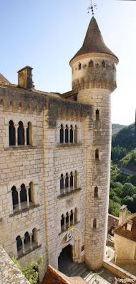 L'imponente palazzo dei Vescovi di Tulle a Rocamadour