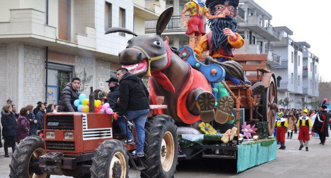 Stataleforum bareggio carnevale grande sfilata dei carri for Idee per carri di carnevale semplici