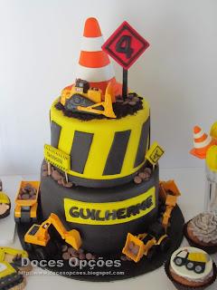 construção bolo aniversário