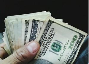 تعرف على قرار وزير المالية الذي اشعل سعر الدولار يصل لأعلى مستوياته