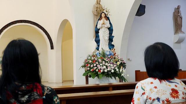 Hari II: Prosesi Replika Patung Maria Asumpta GMKA di Gereja Atmodirono