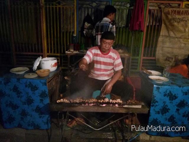 Penjual Sate lalat Khas Pamekasan - Madura