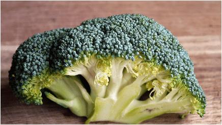 الخضراوات الورقية الخضراء  بروكلي