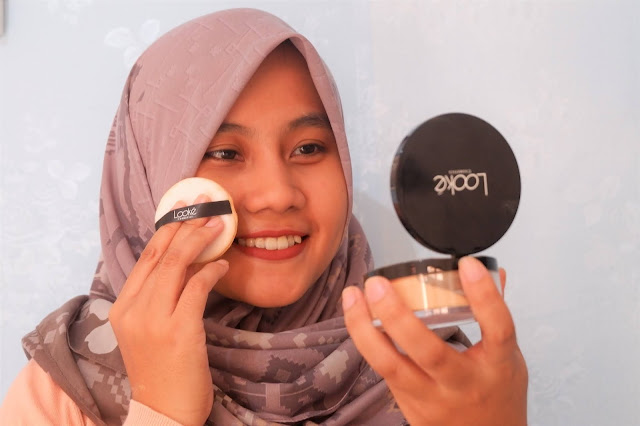 Holy Smooth & Blur Loose Powder Looke Cosmetics