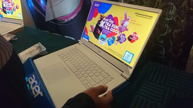 Laptop Acer Concept D 5