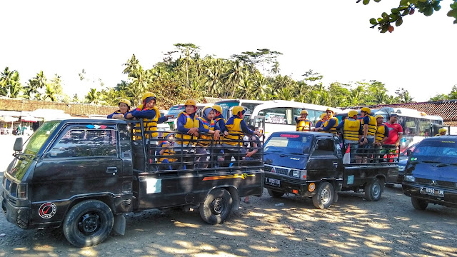 Perjalanan Pick Up Body Rafting