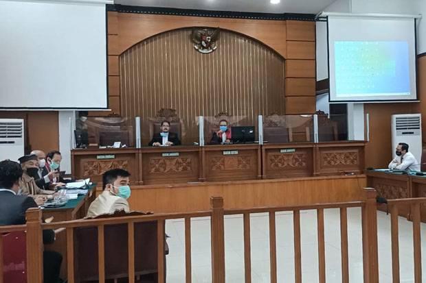 Habib Rizieq Pakai Sorban Bendera Palestina, Hakim Minta Dilepas Saja