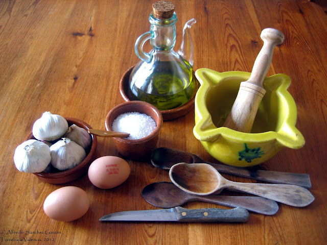 ingredientes-utiensilios-ajoaceite