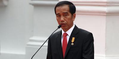Permalink to Sibuk Pikirkan Kondisi Negara, Anggota DPR Ini Curiga Ada yg Ingin Jerumuskan Jokowi?