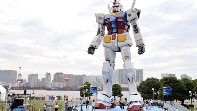 Life size Gundam mecha model in Japan