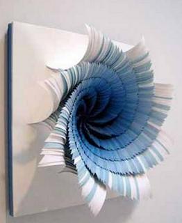 Hiasan dinding ruang tamu minimalis dari kertas