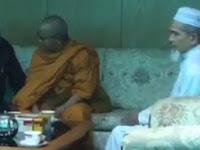 Berbeda Dengan Ashin Wirathu, Ketua Biksu Asal Thailand ini Justru Mendapat Hidayah Islam