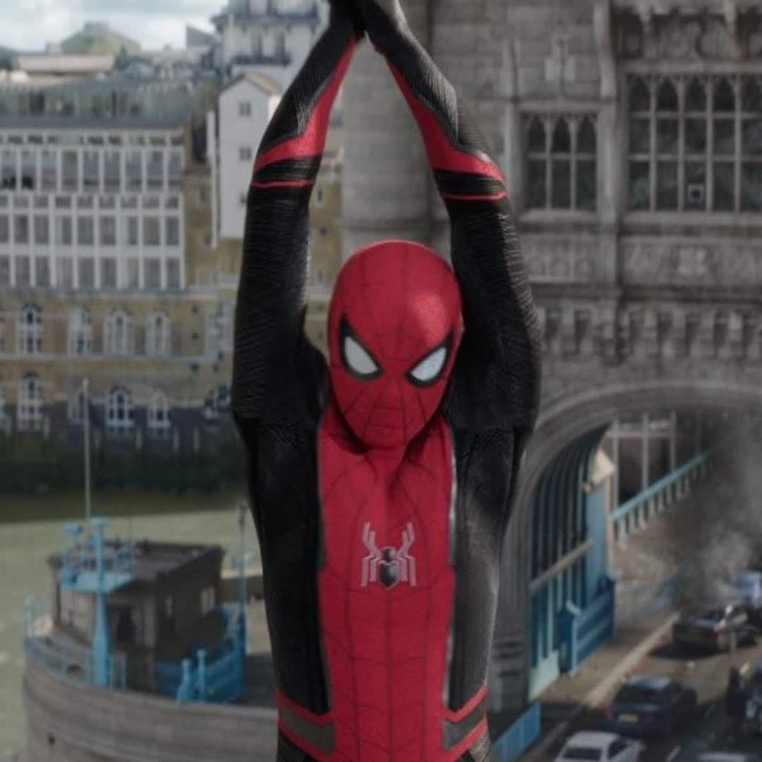Spider-Man says I am Iron Man :「ファー・フロム・ホーム」の宣伝のために、中国にやって来たスパイダーマンのトム・ホランドが現地のファンに向かって、アイ・アム・アイアンマンと自己紹介 ? !