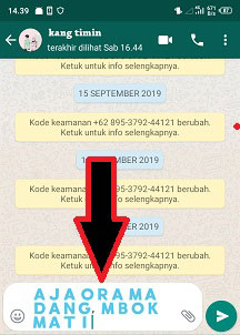 cara membuat tulisan warna biru di whatsapp android
