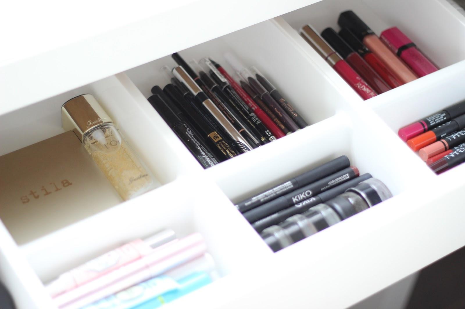 Makeup dividers