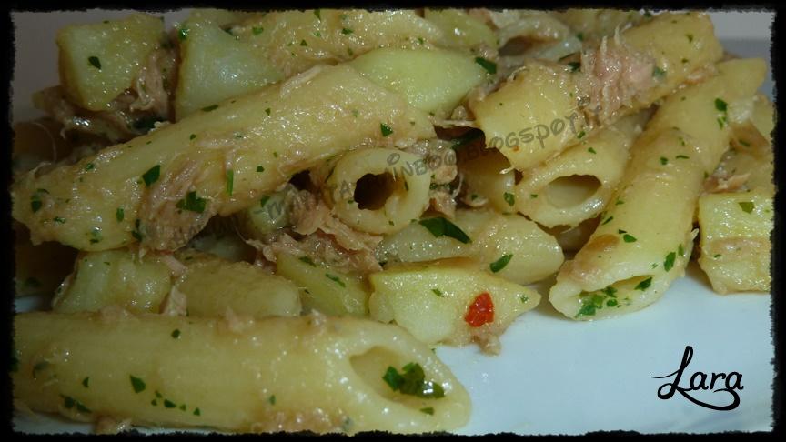 http://cucinaconlara.blogspot.it/2014/01/pasta-con-tonno-e-patate.html