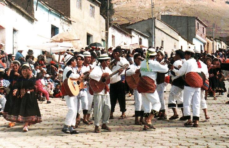 chuquisaca lugares turisticos oropeza baile los jalkas