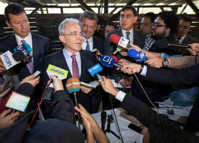 Álvaro Uribe preso