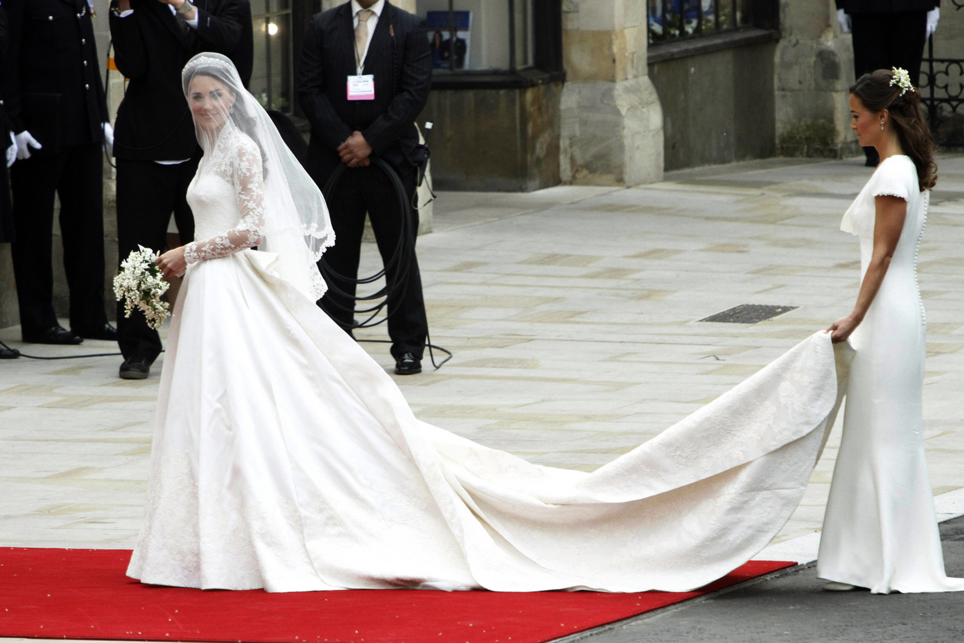 Mina + Oli: Kate Middleton's Wedding Dress