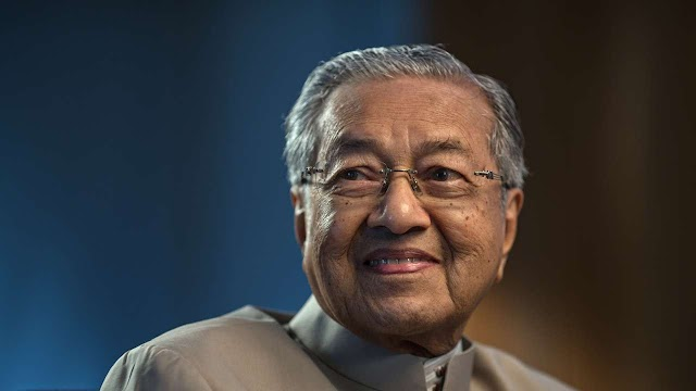 Pembaharuan lebih besar dalam pendidikan negara tidak lama lagi - Dr Mahathir
