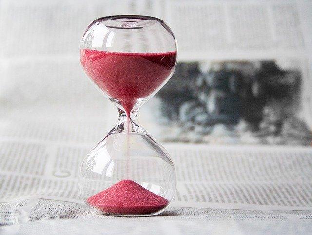 Pengandaian Future perfect continuous passive dengan hourglass