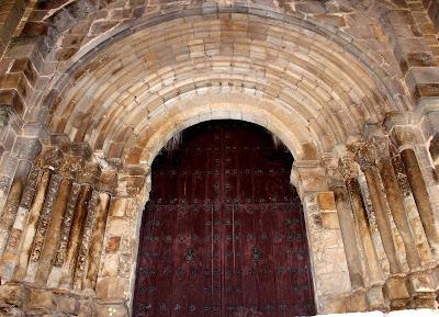 Portada románica de la catedral vieja de Plasencia