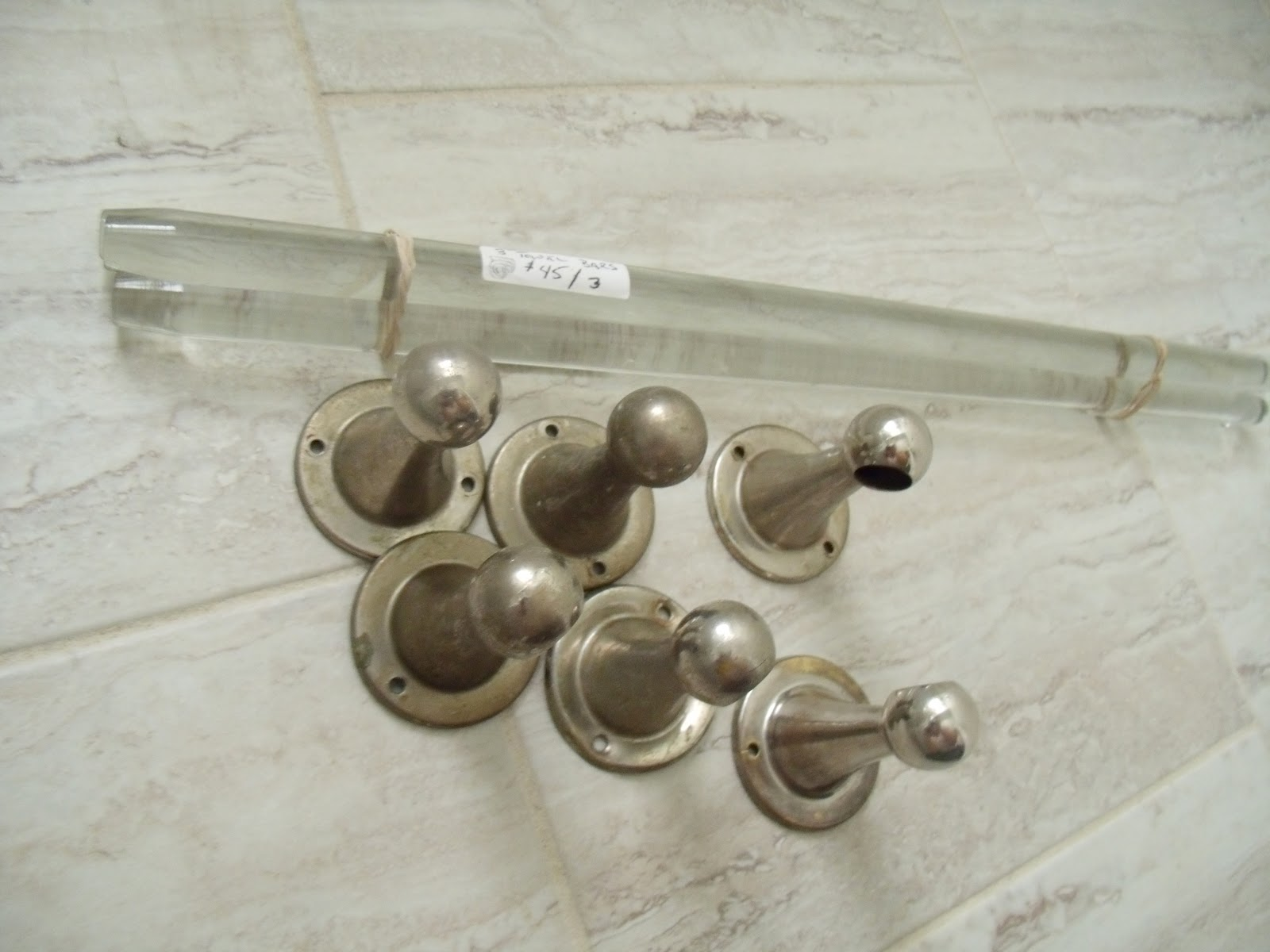 Saving Money: Mixing Vintage and Discount Hardware in the Bathroom ...