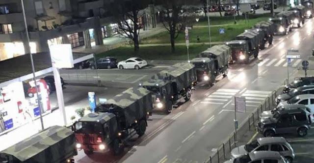 Coronavirus: Distesa di mezzi militari dell'esercito a Bergamo trasportano le bare