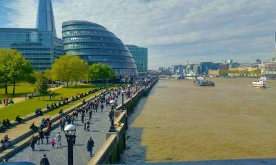 Edificio contemporaneo llamado City Hall en  Londres