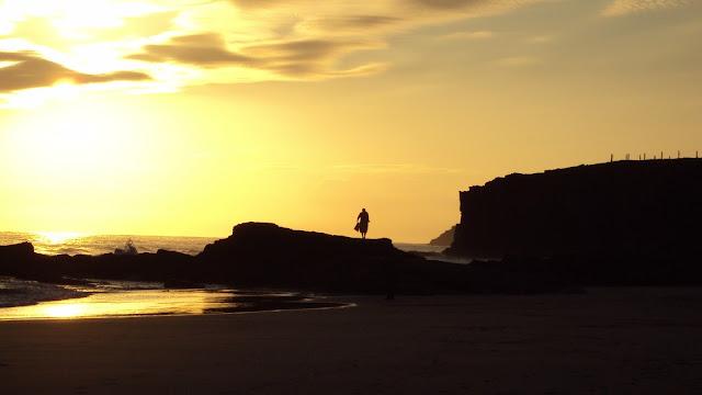 amanece en la playa de las catedrales galicia