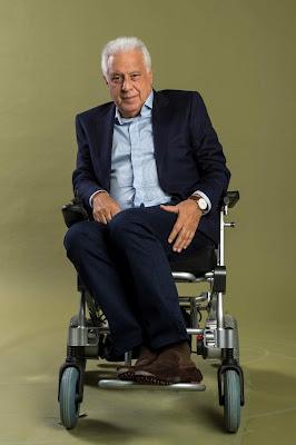 Antonio Fagundes é Alberto, dono da editora de livros Prado Monteiro. Tem uma doença terminal. — Foto: Globo / João Cotta