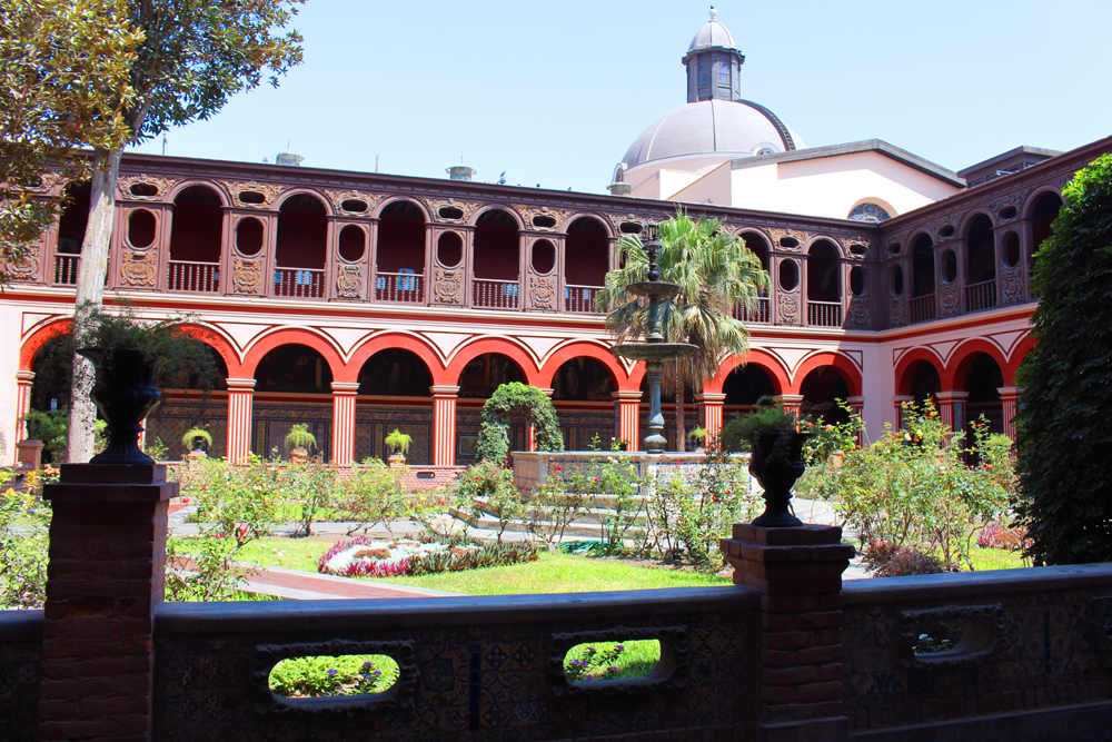 Convento de Santo Domingo in Lima, Peru - travel & lifestyle blog