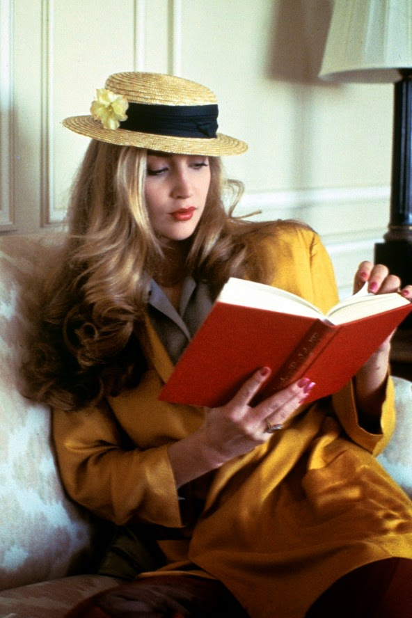 37 beautiful portraits of the 70s fashion and style icons