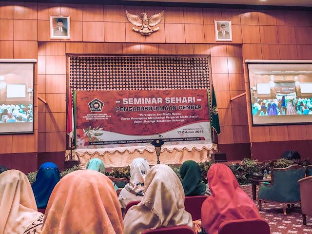 seminar sehari pengarustamaan gender, kementerian agama, dharma wanita kemenag