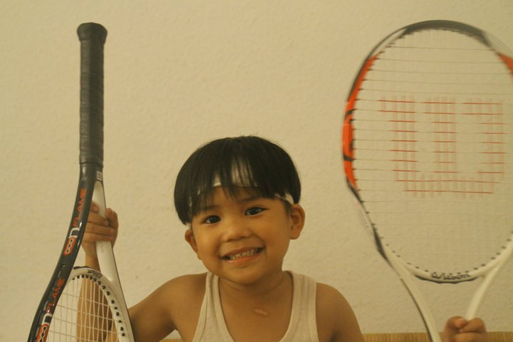 5 Steps to Choosing the Right Racket for a Beginning Tennis Player