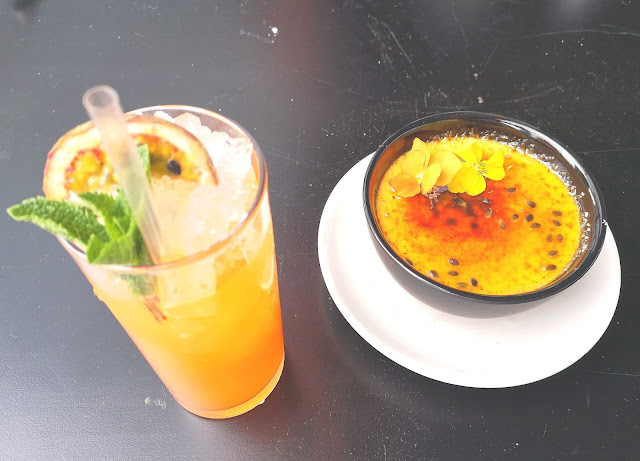 Passion fruit cocktail and dessert