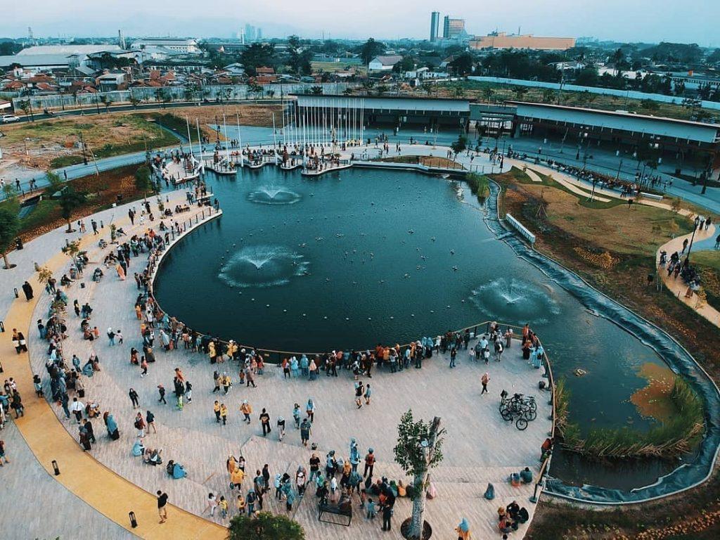 "Liburan di Kiara Artha Park : ""A New Masterpiece in Bandung"""